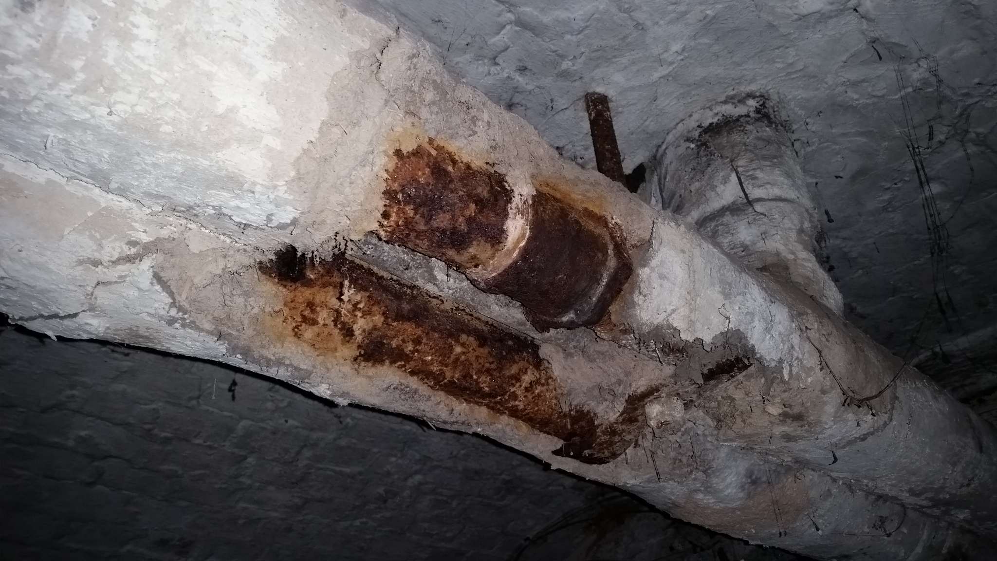Poor Condition Asbestos Thermal Insulation E N V